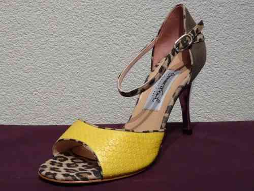 N823 Amarillo Ocre Animal Cromo Gr. 36